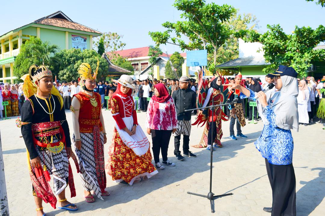 PERINGATAN HARI PAHLAWAN DI SMK NEGERI 3 METRO TAHUN 2019