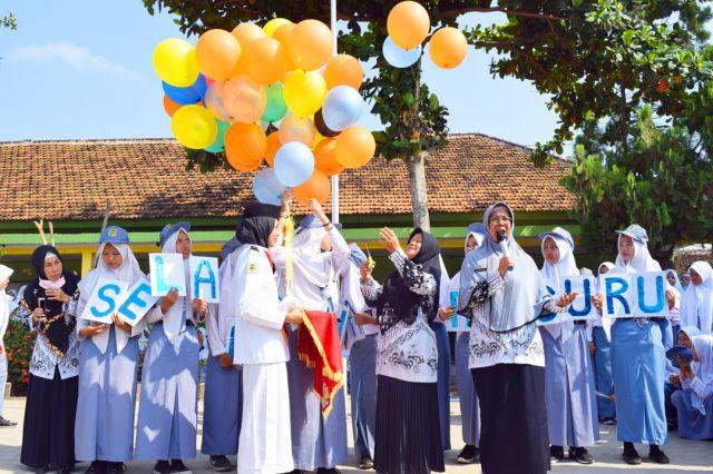 PERINGATAN HARI GURU NASIONAL TAHUN 2019 DI SMK NEGERI 3 METRO