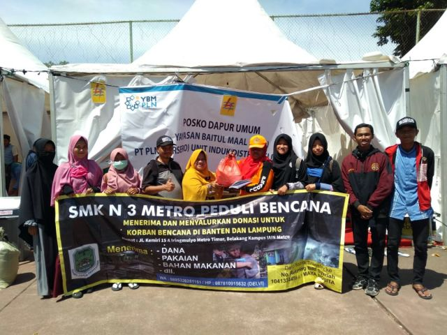 SMK N 3 Metro Salurkan Bantuan untuk bencana tsunami di Lampung Selatan