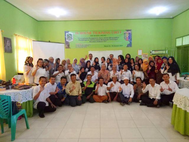IHT Januari 2019 : Upgrading Guru SMK N 3 Metro menuju pendidikan era Industri 4.0